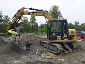 REMU XO bucket on Cat-307D excavator main